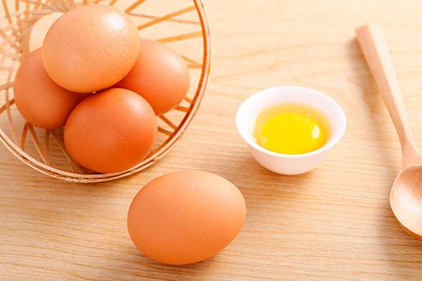 感冒可以吃鸡蛋吗 感冒期间不能吃的食物