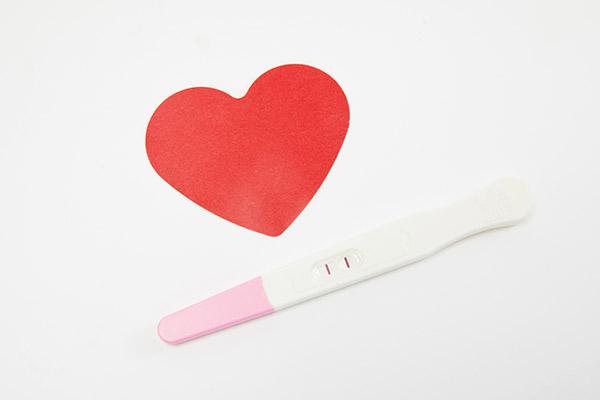 验孕棒一深一浅是怀孕了吗